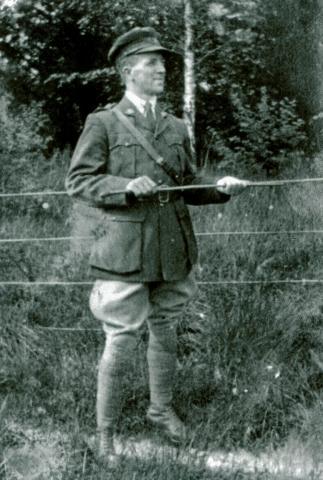 Black and white portrait of Edward Chamberlain