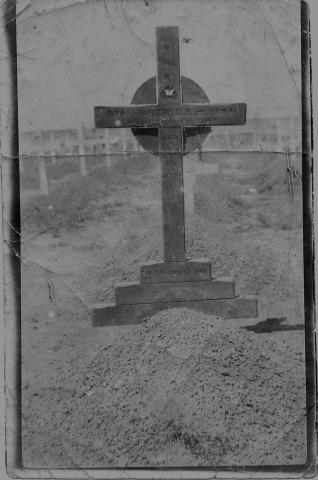Original grave marker of Lance Corporal Dareel EH Fowler