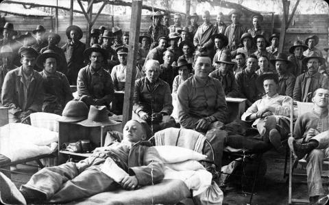 Black and white picture of soldiers in Heliopolis hospital