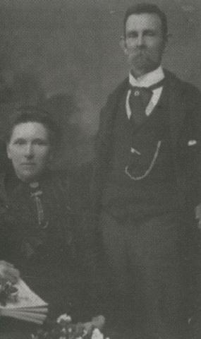 Black and white portrait of Walter Badans' parents