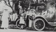 Black and white photo of Oswald Meyer and family